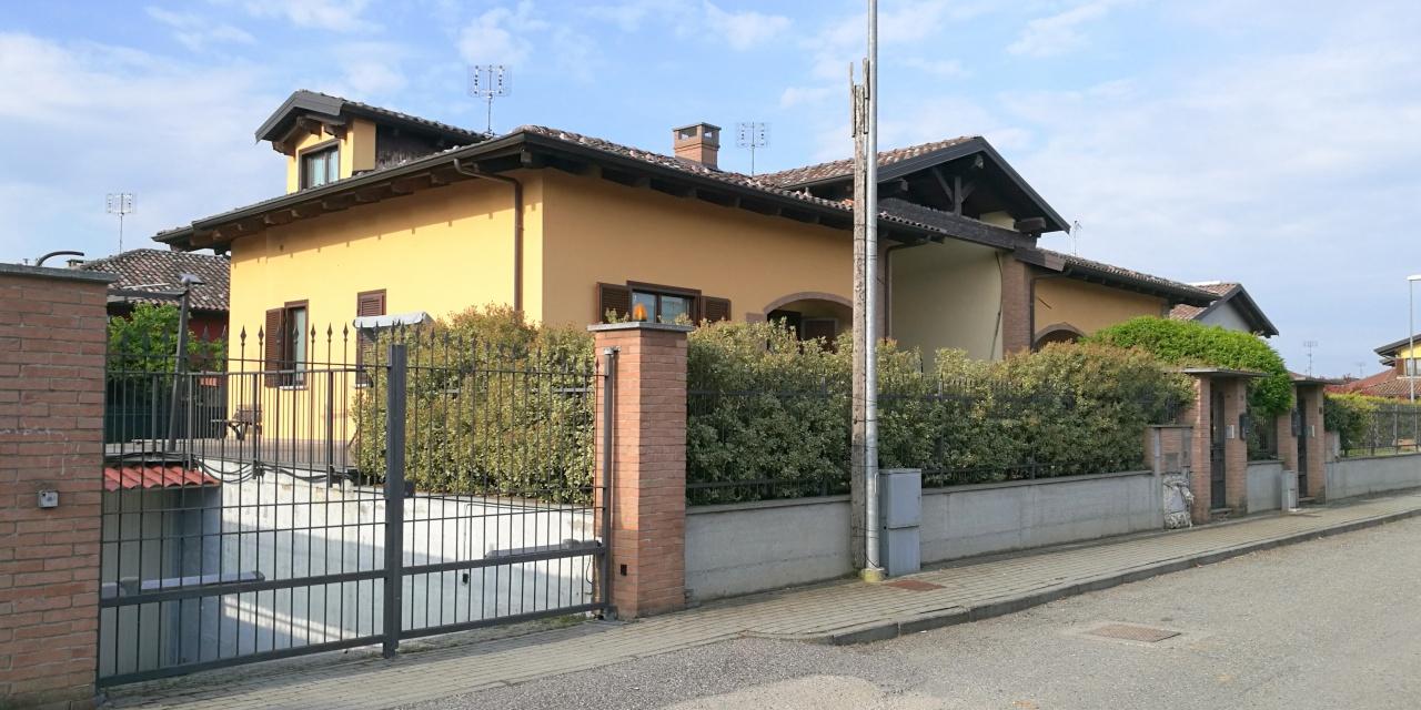 Soluzione Indipendente in vendita a Torrazza Piemonte, 8 locali, prezzo € 239.000 | CambioCasa.it