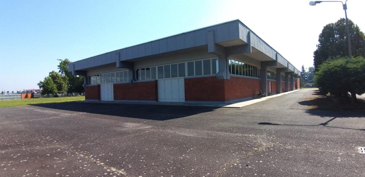 Immobile Commerciale in vendita a Crescentino, 9999 locali, prezzo € 750.000 | PortaleAgenzieImmobiliari.it
