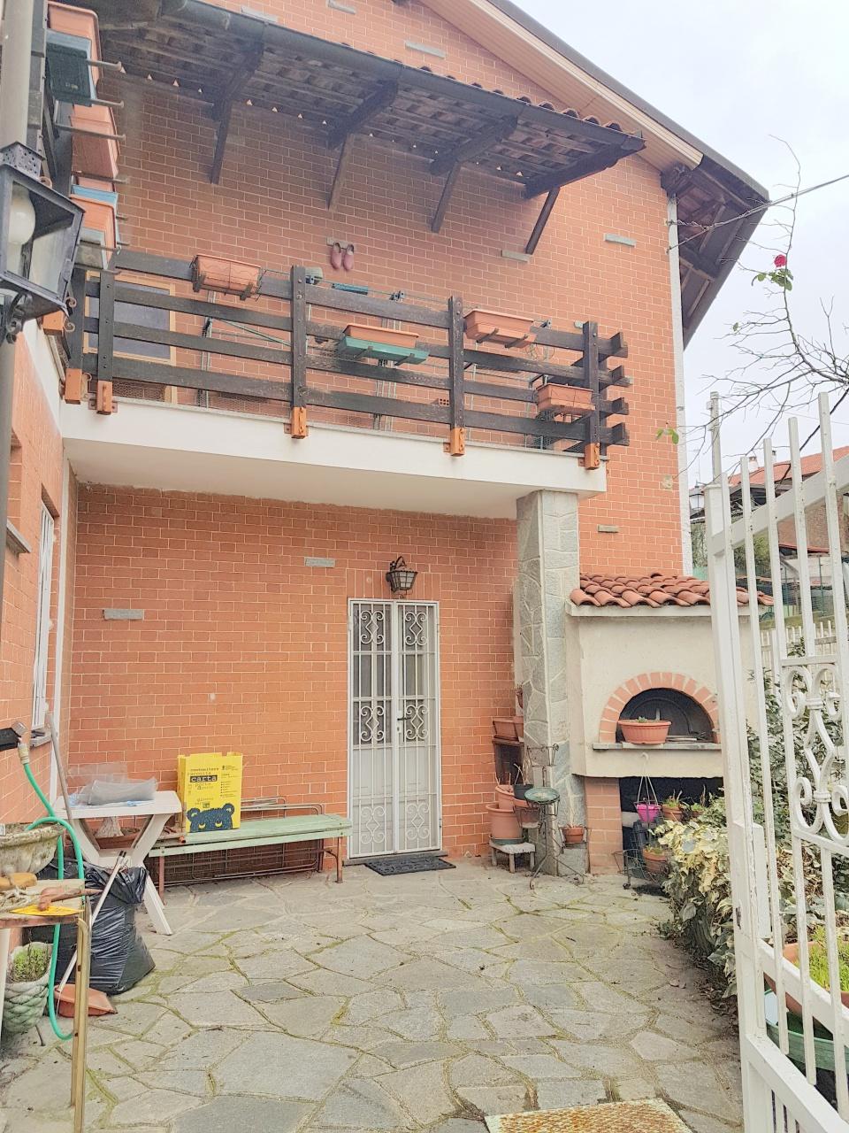 Casa Indipendente in discrete condizioni in vendita Rif. 10524292