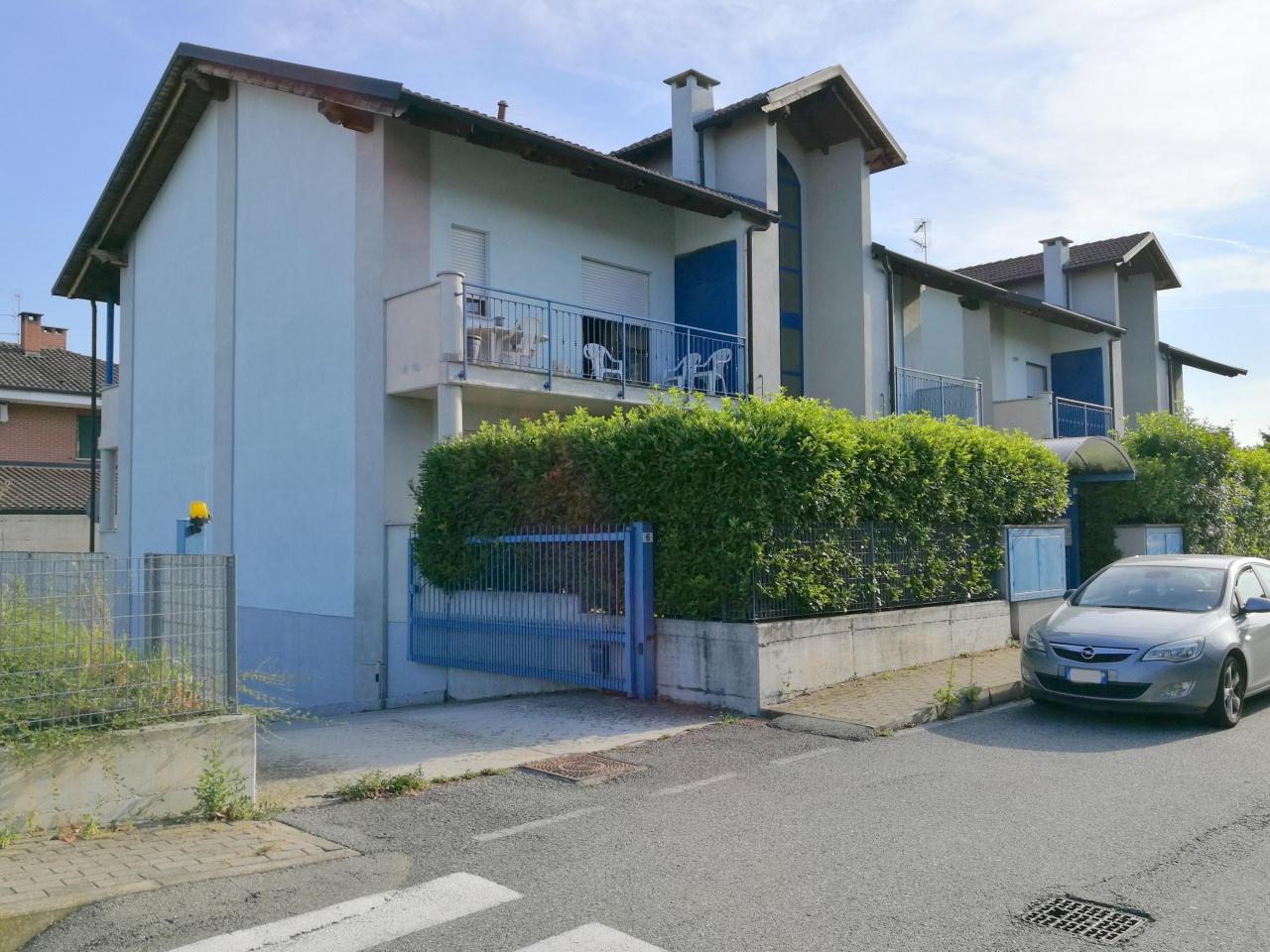 Appartamento in vendita a Cigliano, 3 locali, prezzo € 89.000 | CambioCasa.it