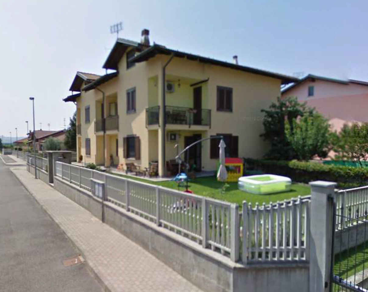 Appartamento in ottime condizioni in vendita Rif. 11430562
