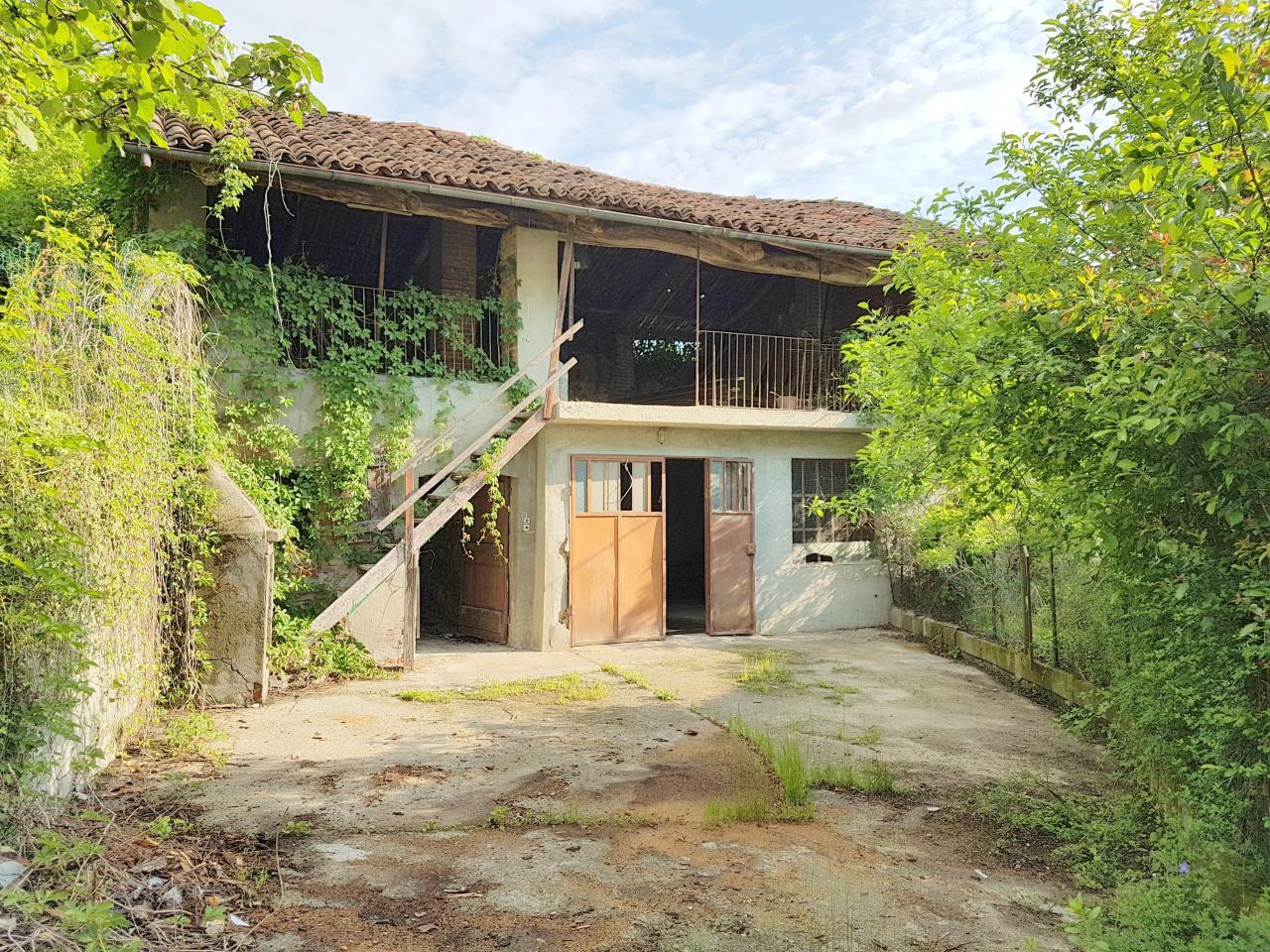 Rustico / Casale in discrete condizioni in vendita Rif. 11624115