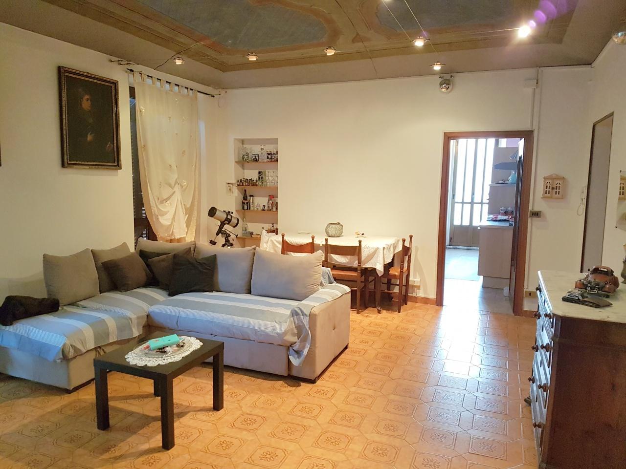 Appartamento in buone condizioni in vendita Rif. 11638529