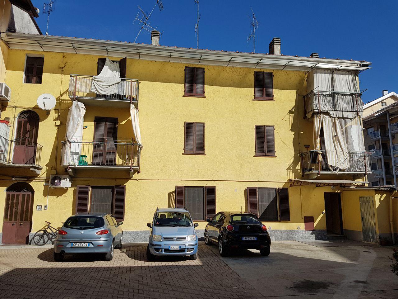 Appartamento in buone condizioni in affitto Rif. 11696787