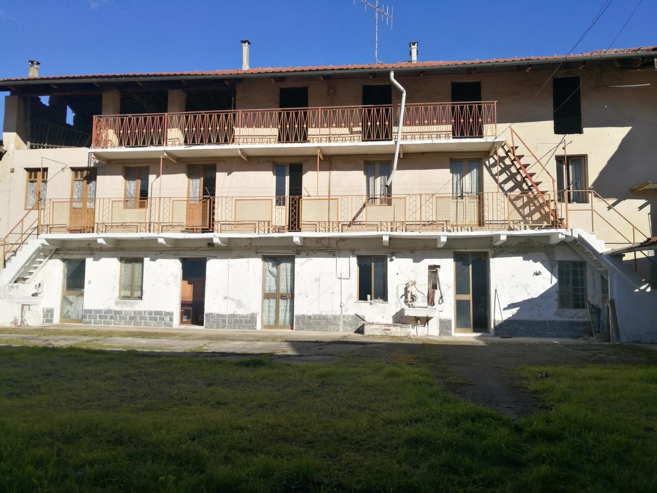 Soluzione Indipendente in vendita a Verolengo, 15 locali, prezzo € 69.000 | PortaleAgenzieImmobiliari.it