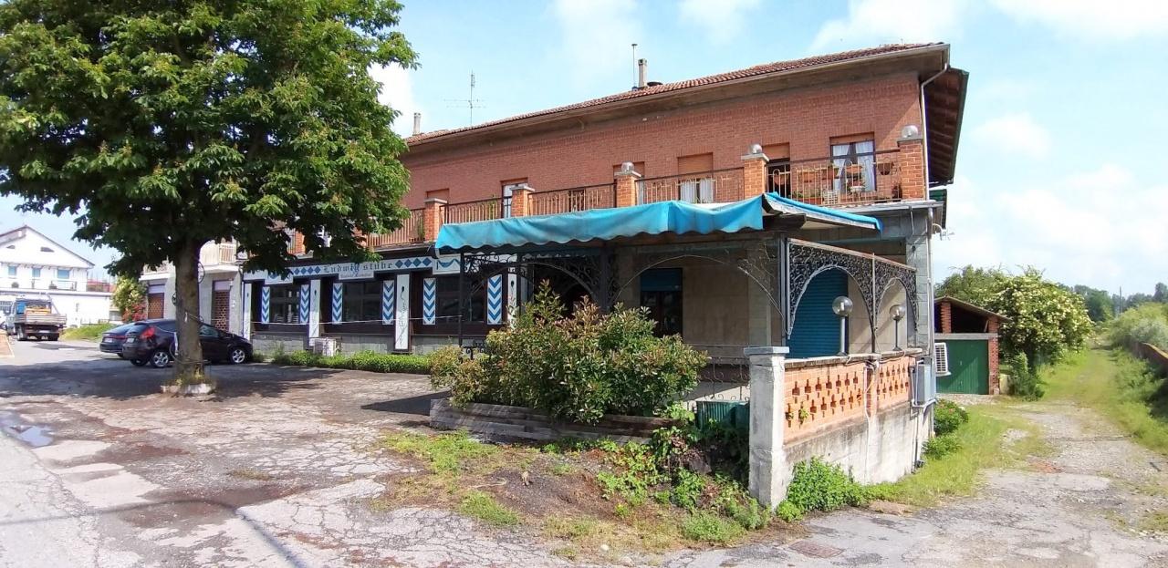 Appartamento in vendita a San Sebastiano da Po, 8 locali, prezzo € 190.000 | CambioCasa.it