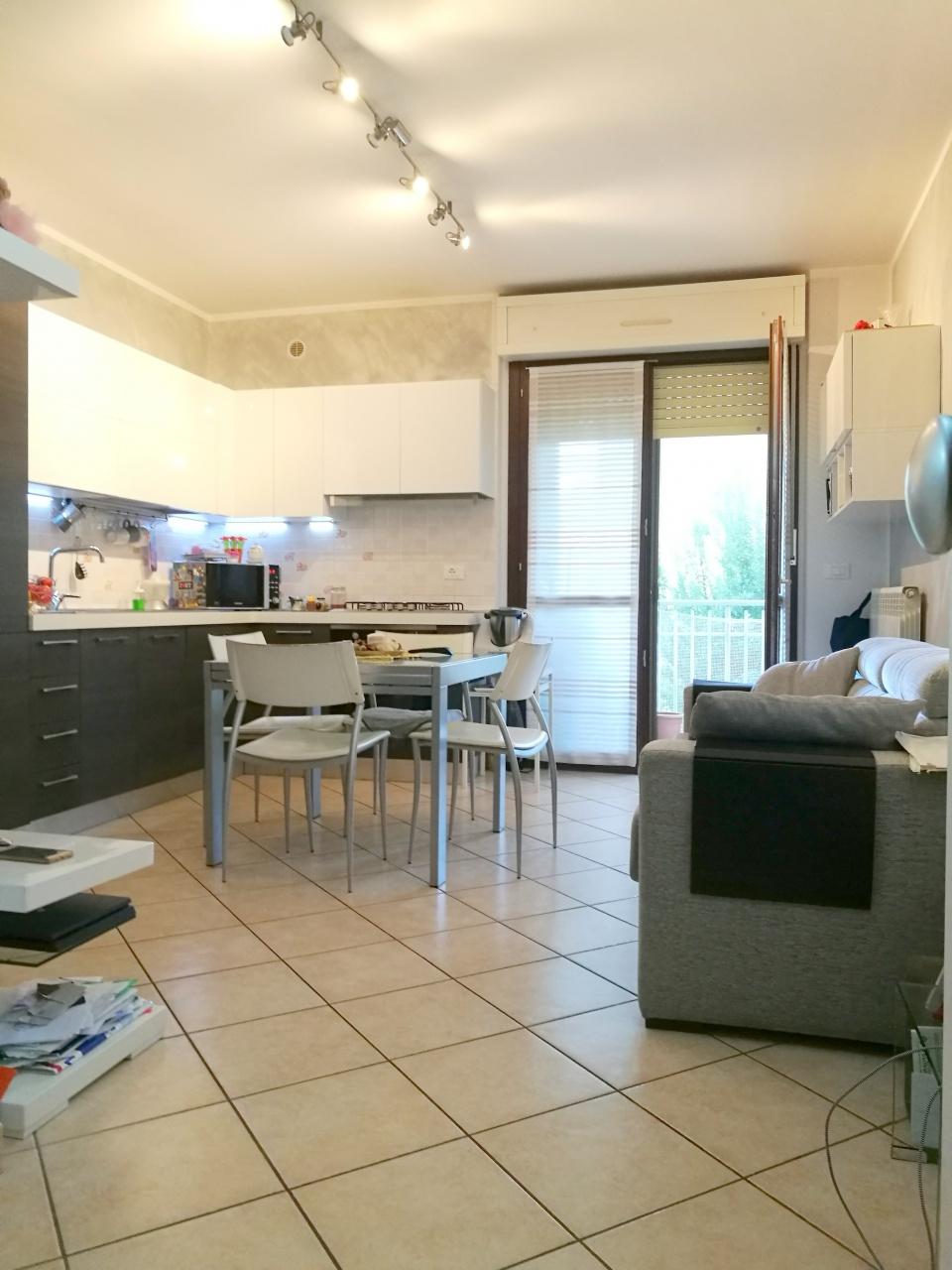 Appartamento in vendita a Chivasso, 3 locali, prezzo € 95.000   CambioCasa.it