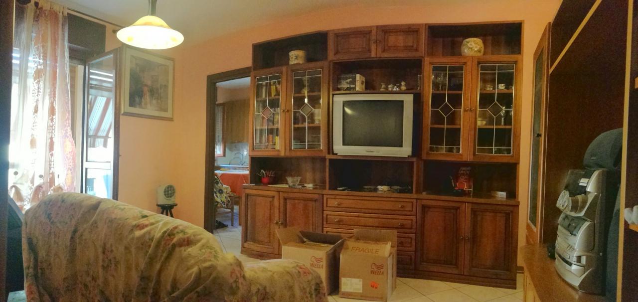 Appartamento in vendita a Chivasso, 3 locali, prezzo € 119.000   CambioCasa.it