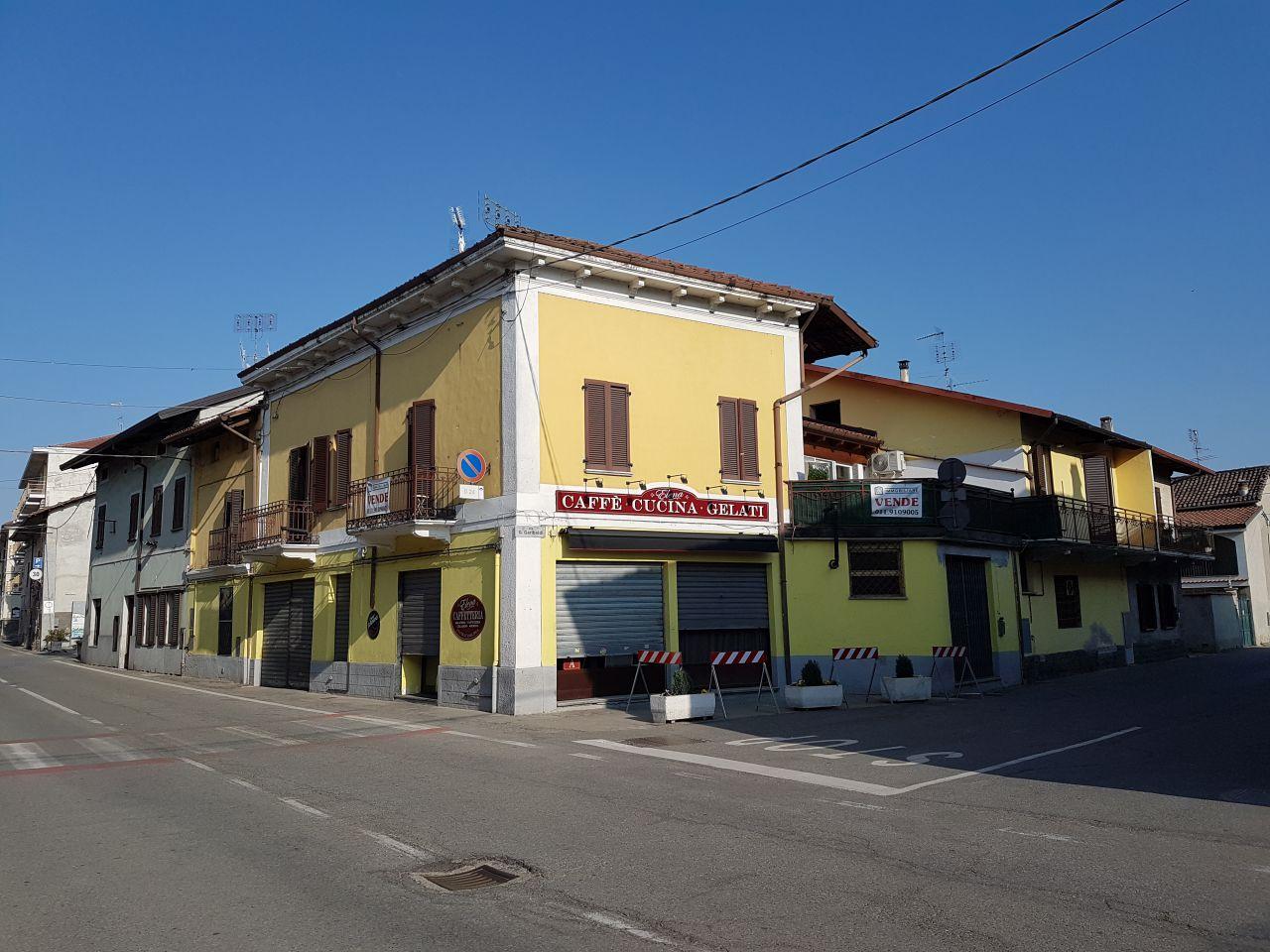 Soluzione Indipendente in vendita a Rondissone, 12 locali, prezzo € 225.000 | CambioCasa.it