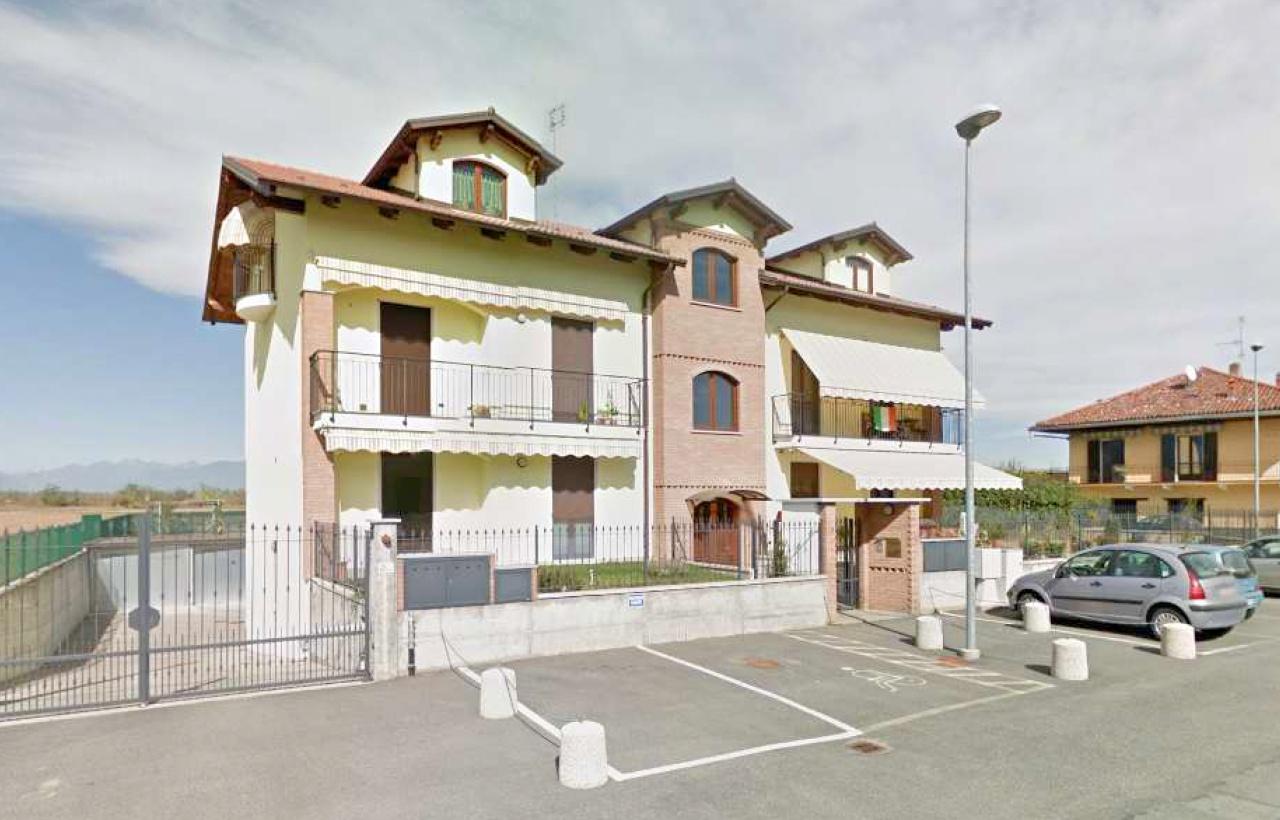 Appartamento in vendita a Torrazza Piemonte, 7 locali, prezzo € 159.000   CambioCasa.it