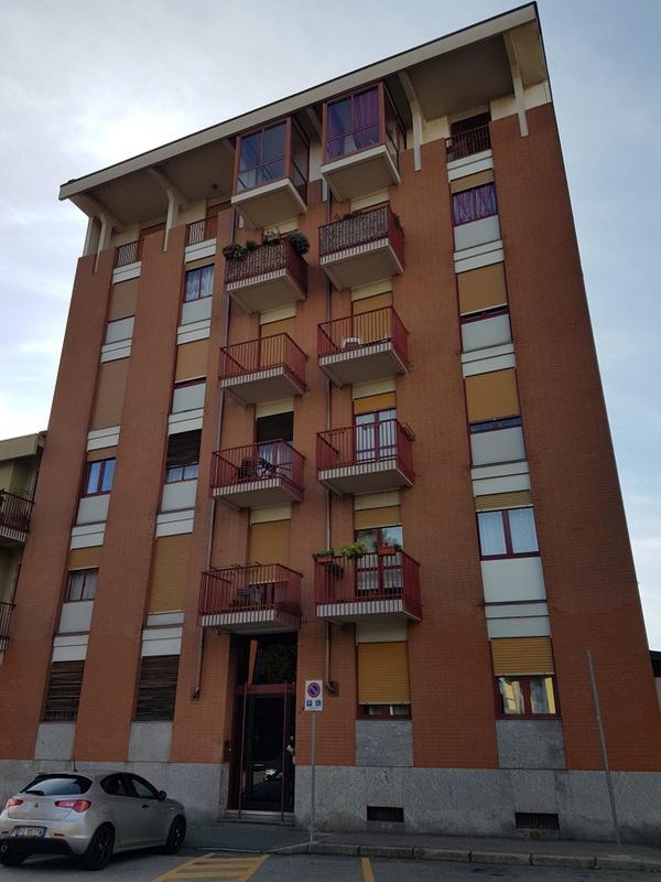 Appartamento in affitto a Chivasso, 4 locali, prezzo € 450 | PortaleAgenzieImmobiliari.it