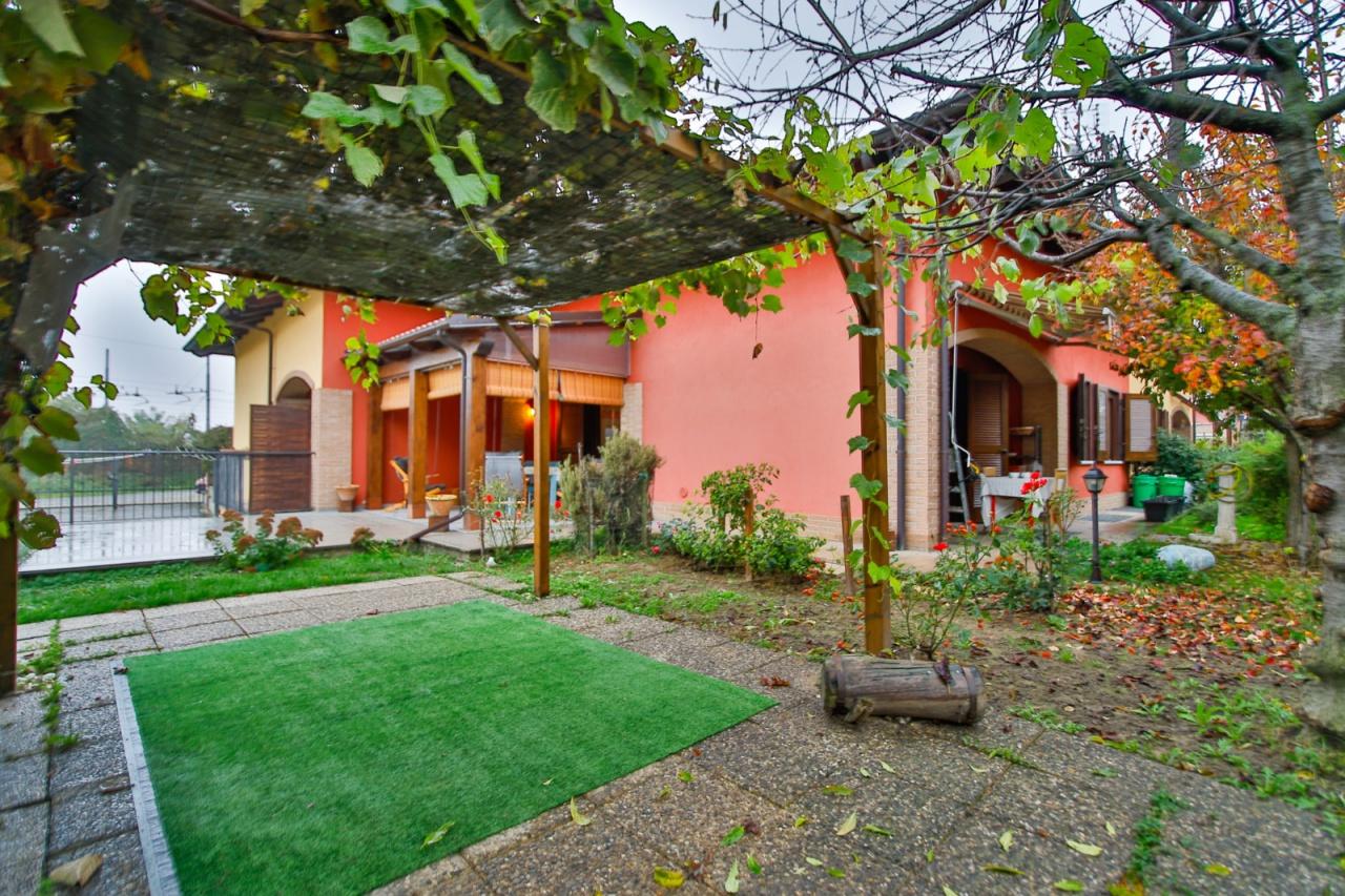 Soluzione Indipendente in vendita a Torrazza Piemonte, 8 locali, prezzo € 212.000 | PortaleAgenzieImmobiliari.it