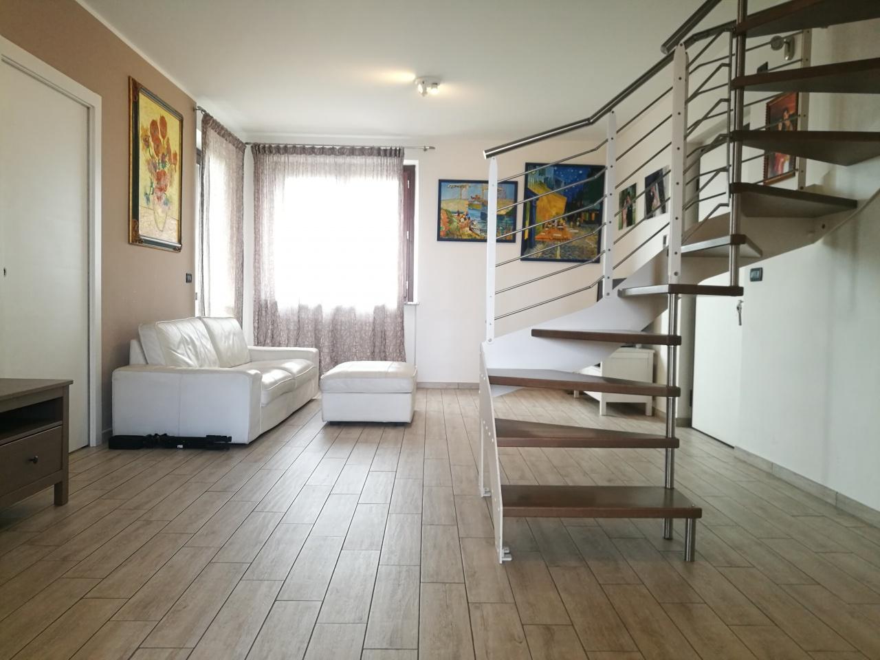 Appartamento in affitto a Rondissone, 8 locali, prezzo € 780 | CambioCasa.it