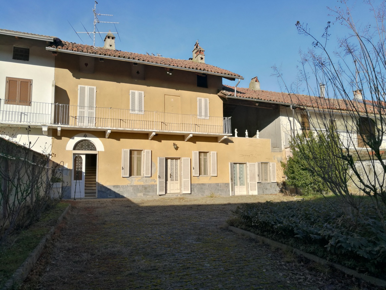 Casa indipendente quadrilocale in vendita a Saluggia (VC)