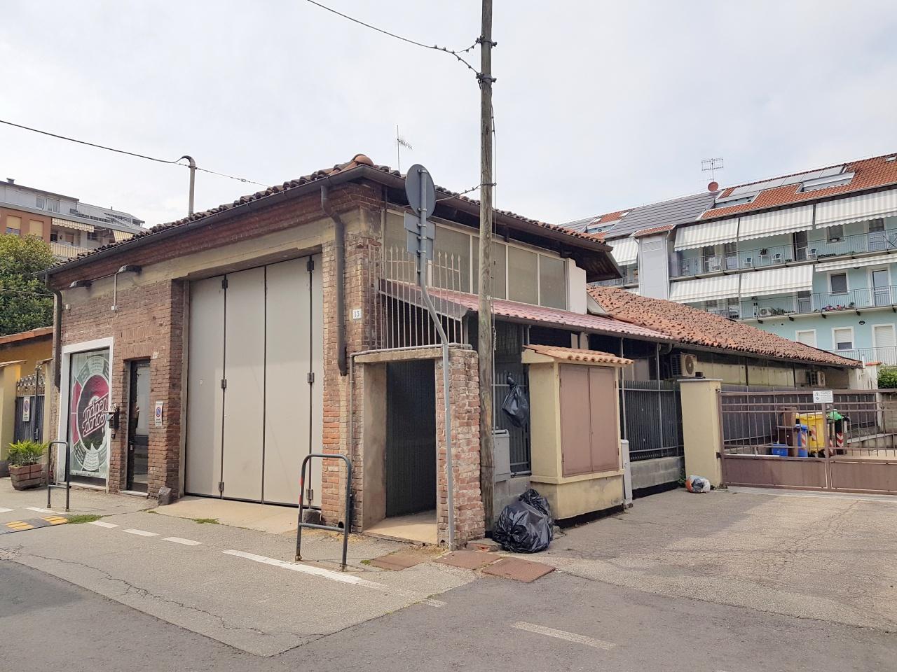 Negozio / Locale in affitto a Chivasso, 1 locali, prezzo € 1.800 | CambioCasa.it