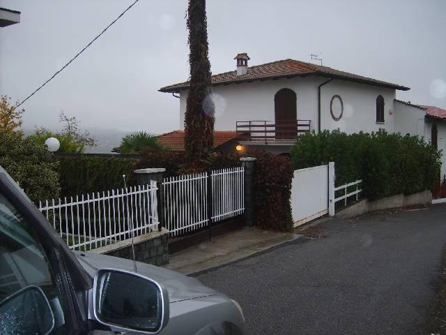 Villa in Vendita a Montù Beccaria