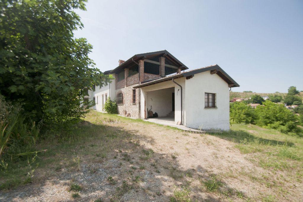 Soluzione Indipendente in vendita a Stradella, 10 locali, prezzo € 395.000 | Cambio Casa.it
