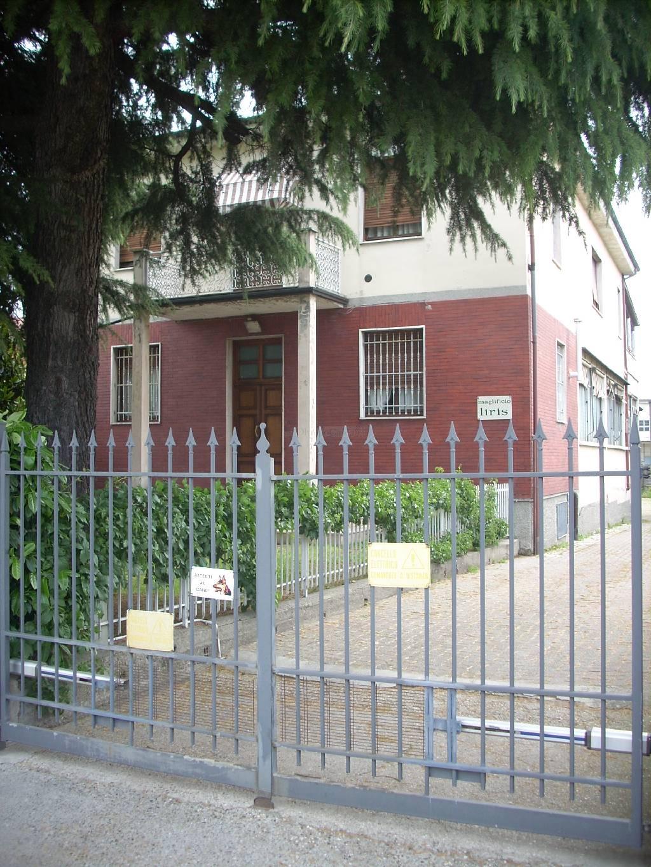 Soluzione Indipendente in vendita a Stradella, 10 locali, prezzo € 250.000 | Cambio Casa.it