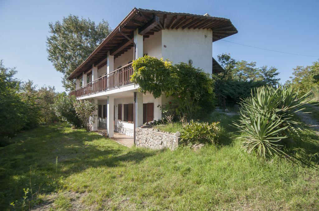 Soluzione Indipendente in vendita a Montalto Pavese, 8 locali, prezzo € 240.000 | Cambio Casa.it