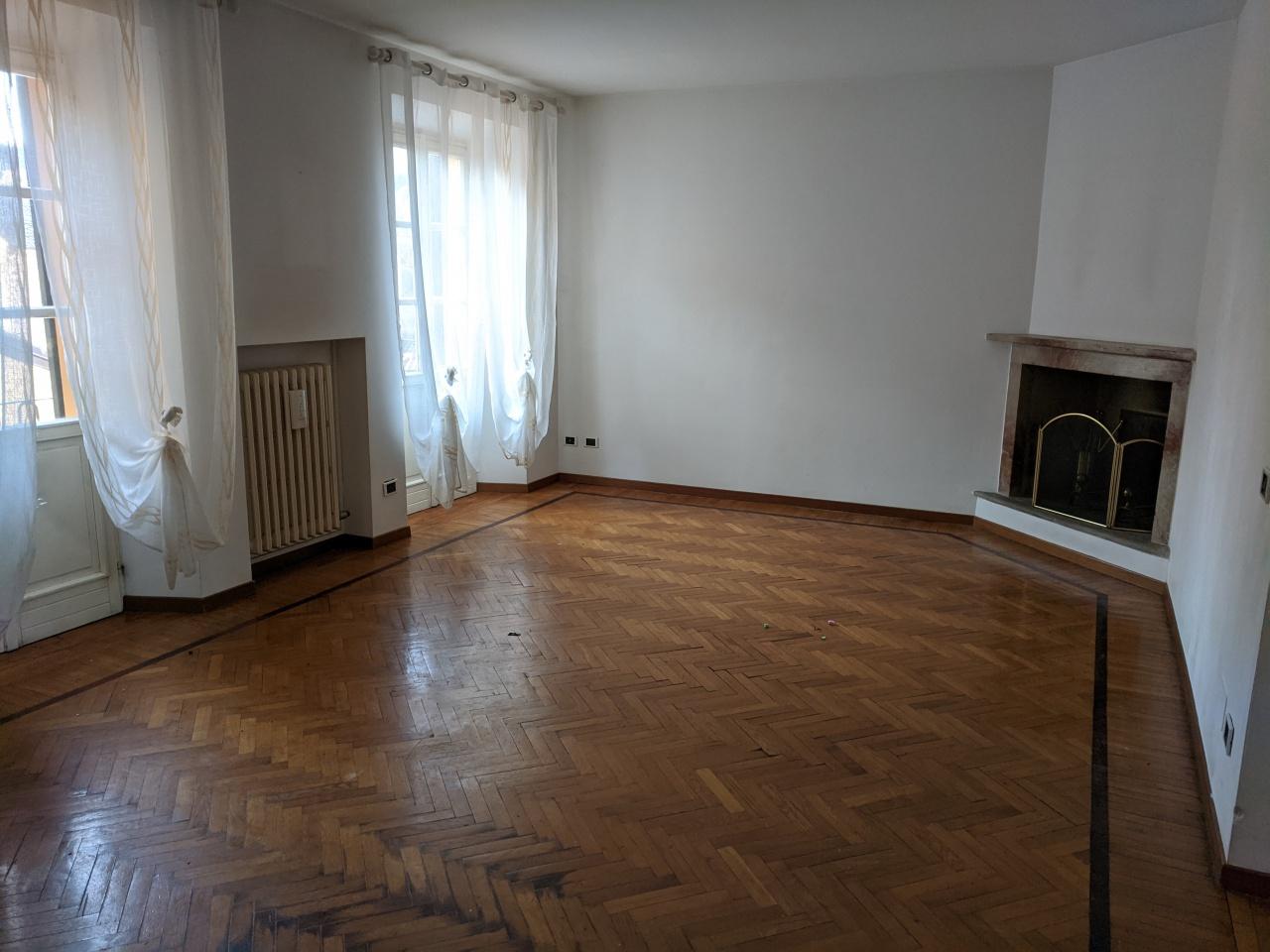 Appartamento in affitto a Stradella, 6 locali, prezzo € 680 | PortaleAgenzieImmobiliari.it