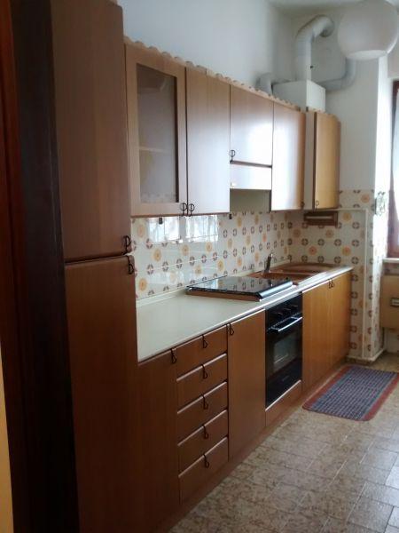 Appartamento in buone condizioni arredato in affitto Rif. 9221880