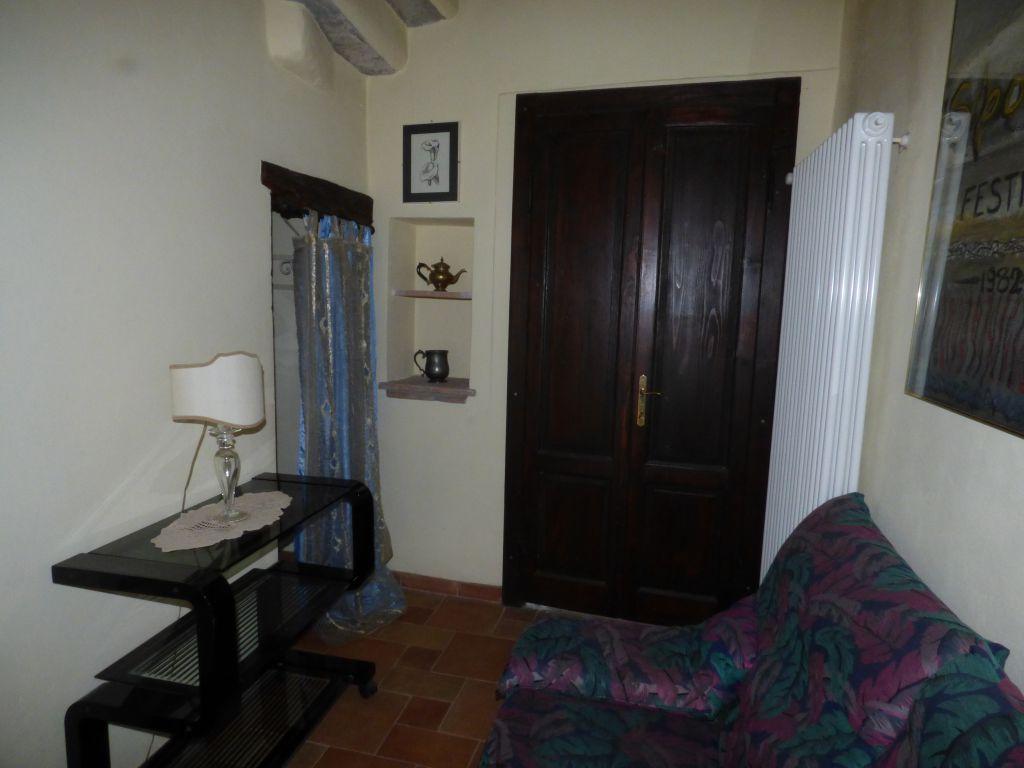 Soluzione Indipendente in affitto a Stradella, 2 locali, prezzo € 450 | CambioCasa.it