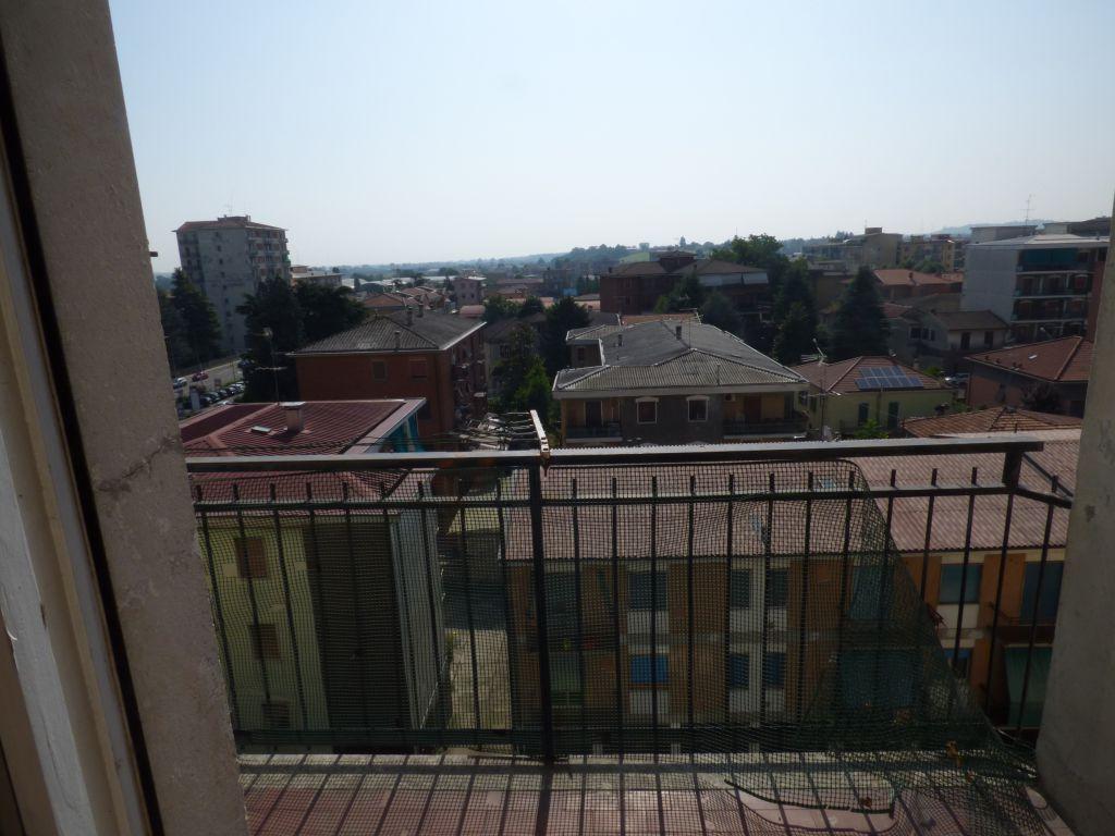 Bilocale Stradella Via Martiri Partigiani 2