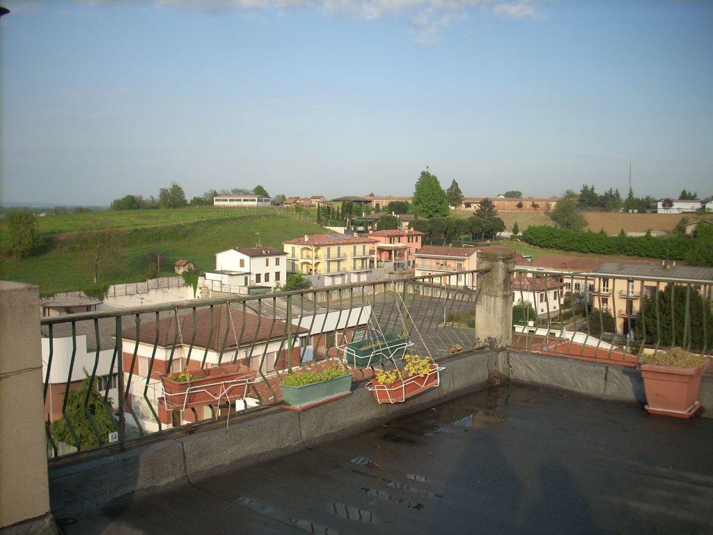 Appartamento in vendita a Stradella, 6 locali, prezzo € 85.000 | PortaleAgenzieImmobiliari.it