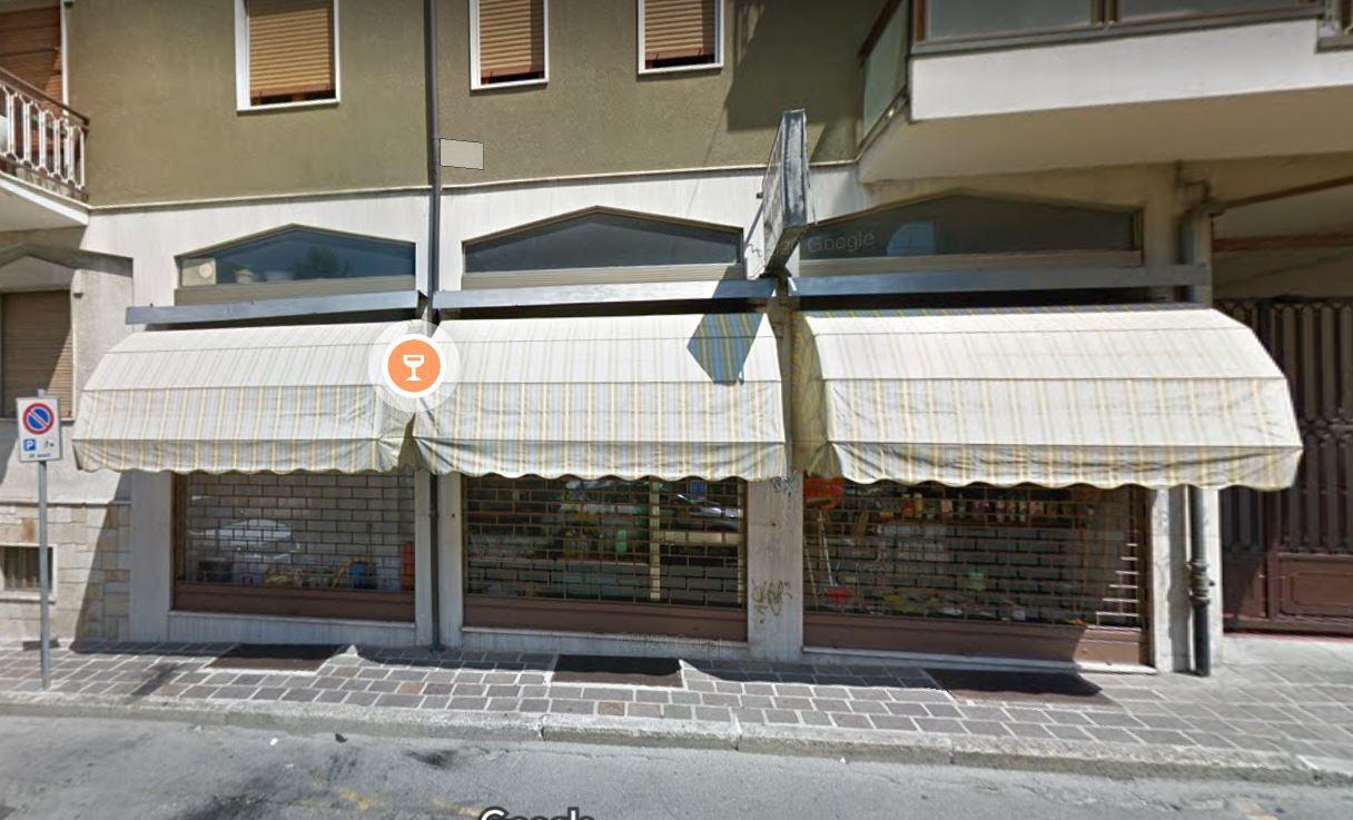 Negozio / Locale in affitto a Stradella, 2 locali, prezzo € 700 | CambioCasa.it