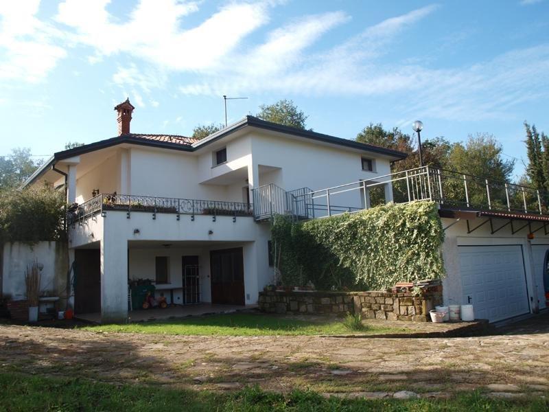 Villa in vendita a Muggia, 4 locali, Trattative riservate | CambioCasa.it