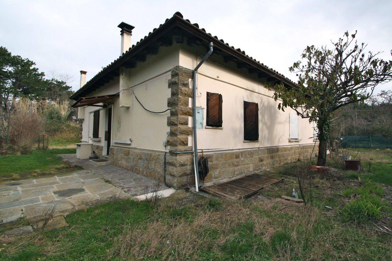 Villa in vendita a Muggia, 5 locali, prezzo € 360.000 | CambioCasa.it