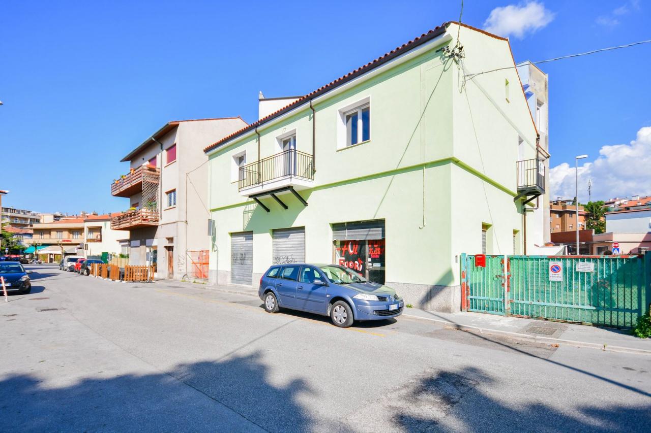 Appartamento in vendita a Muggia, 2 locali, prezzo € 150.000 | CambioCasa.it