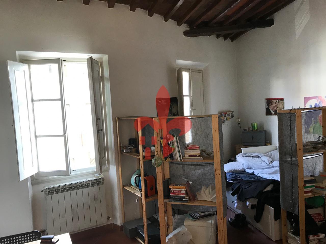 Appartamento da ristrutturare arredato in affitto Rif. 11722857