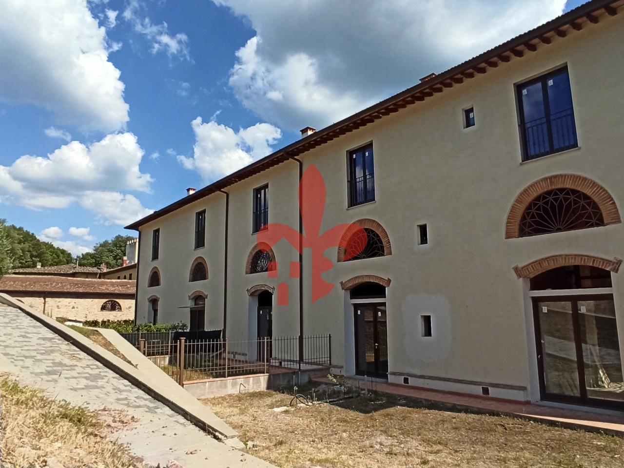 Appartamento in vendita a Greve in Chianti, 5 locali, prezzo € 315.000 | CambioCasa.it