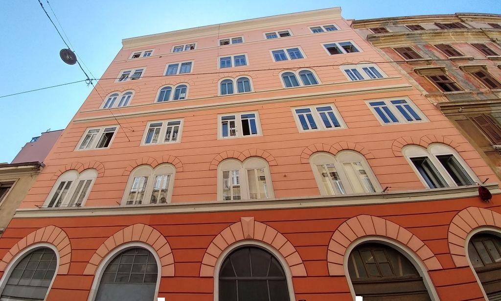 Magazzino - capannone in vendita Rif. 4752363