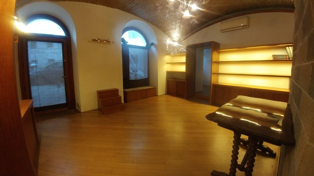 Magazzino - capannone in affitto Rif. 9230799