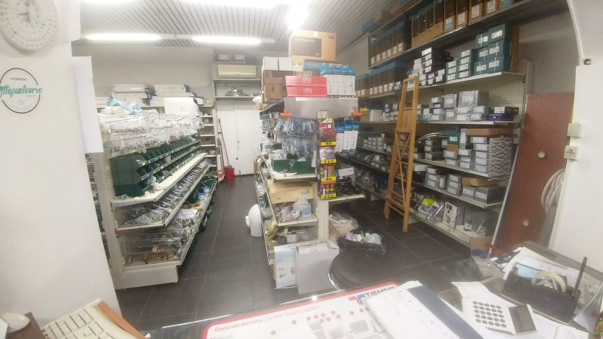 Locale Commerciale TRIESTE COD 45/18