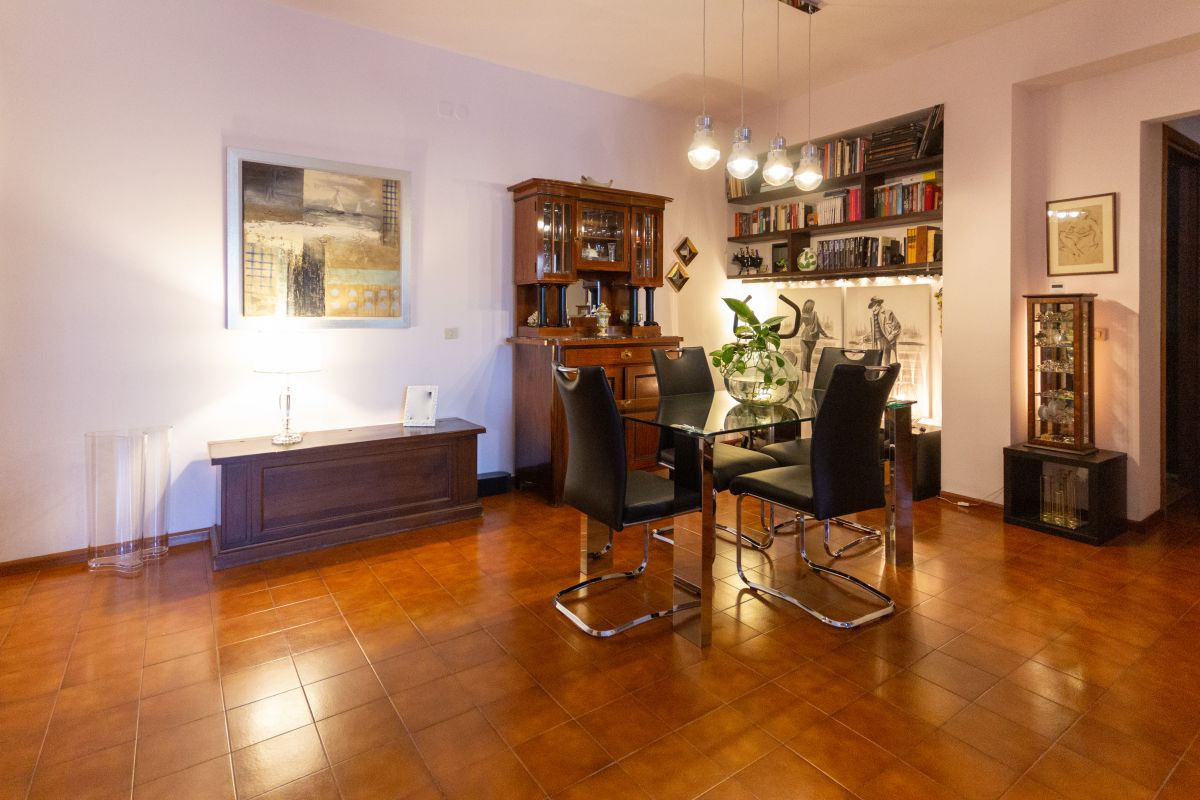 Appartamento, 85 Mq, Vendita - Trieste (Trieste)