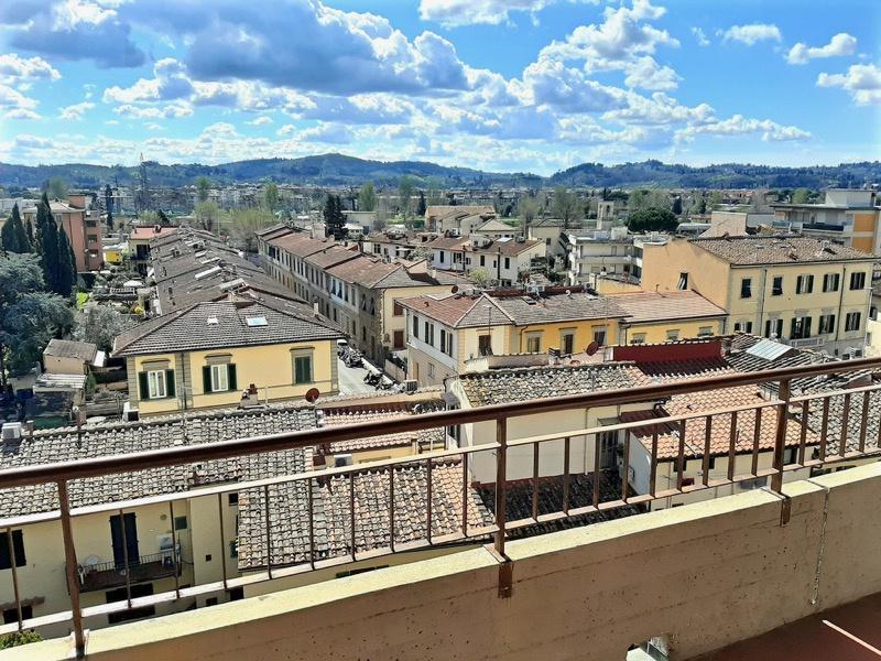 Appartamento quadrilocale in vendita a Firenze (FI)
