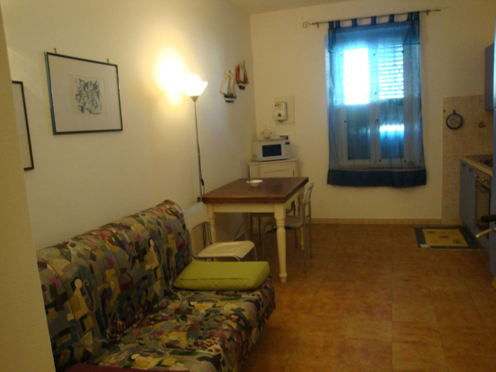 vendita appartamento cecina   140000 euro  2 locali  45 mq