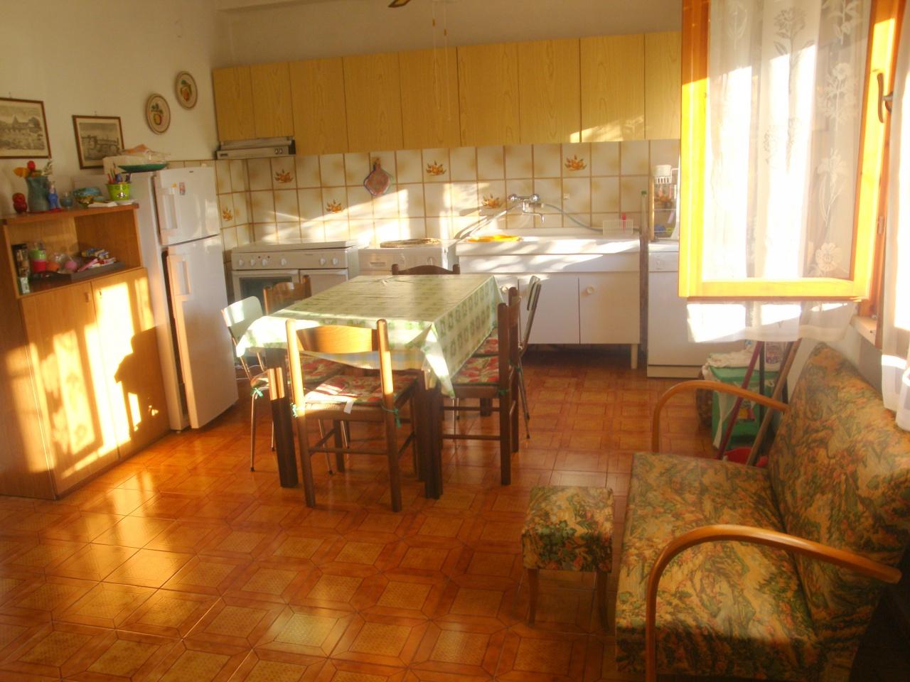 vendita appartamento rosignano marittimo vada  185000 euro  3 locali  70 mq