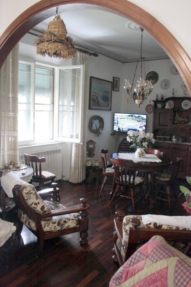vendita appartamento rosignano marittimo vada  170000 euro  5 locali  100 mq