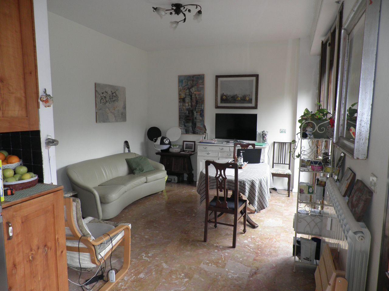 Appartamento in vendita a Firenze, 3 locali, prezzo € 385.000 | CambioCasa.it