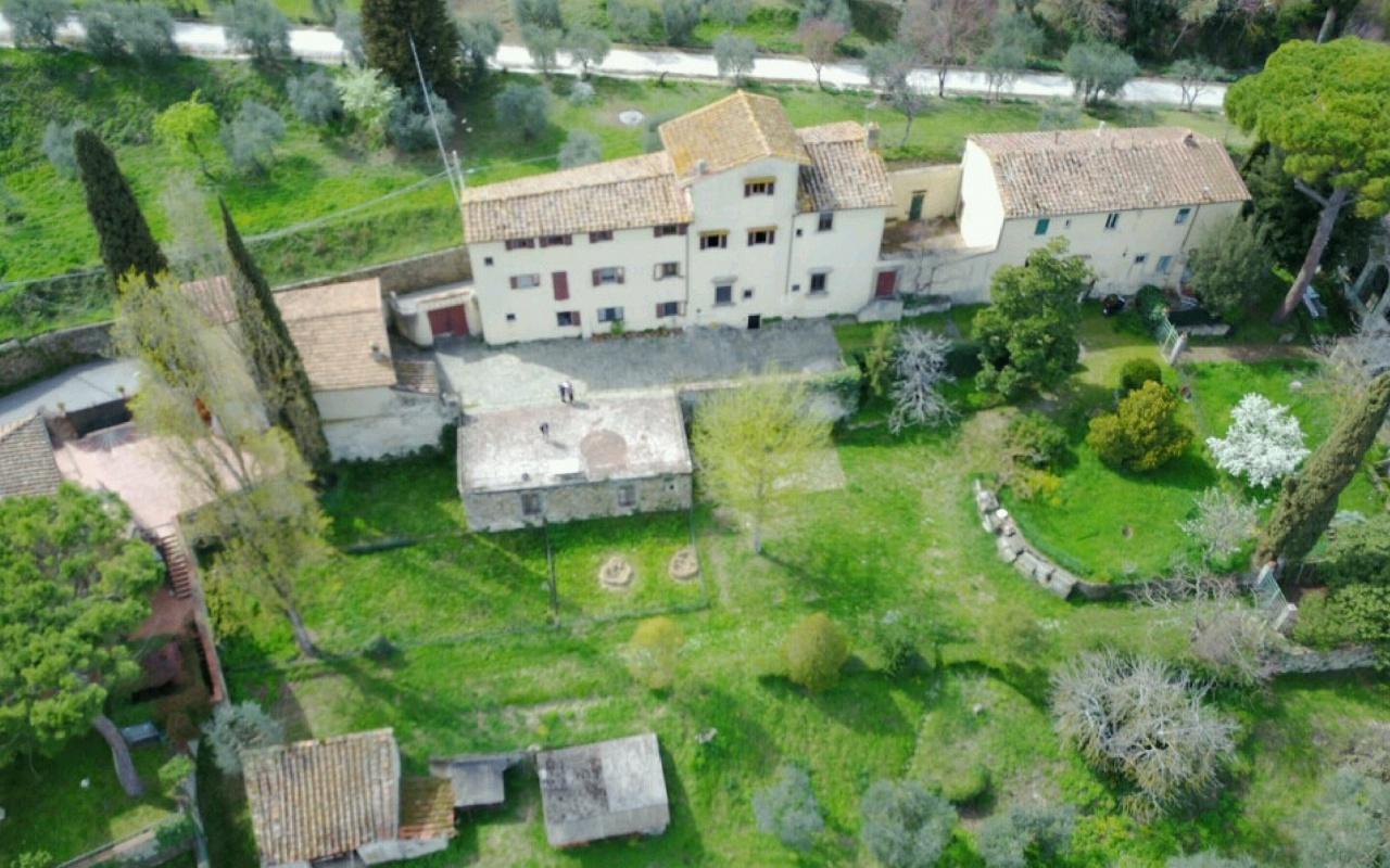 Palazzo / Stabile in vendita a Firenze, 7 locali, Trattative riservate   CambioCasa.it