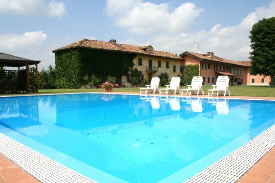 Rustico / Casale in vendita a Castagnole delle Lanze, 10 locali, Trattative riservate | CambioCasa.it