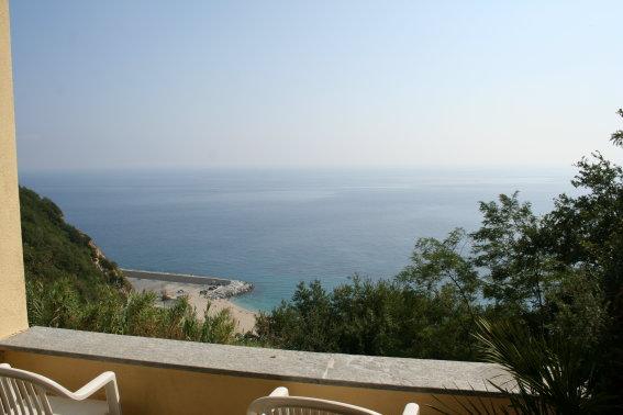 Villa in vendita a Bergeggi, 10 locali, Trattative riservate | CambioCasa.it