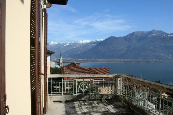 Villa in vendita a Lovere, 6 locali, Trattative riservate | CambioCasa.it