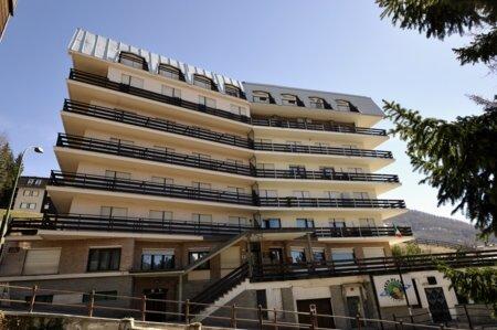Albergo in vendita a Sauze d'Oulx, 50 locali, Trattative riservate | CambioCasa.it