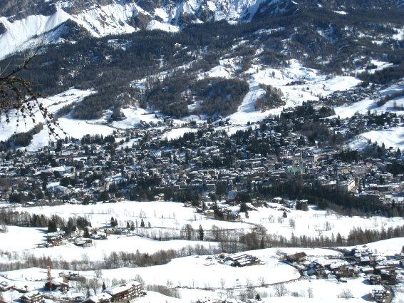Albergo in vendita a Cortina d'Ampezzo, 50 locali, Trattative riservate   CambioCasa.it