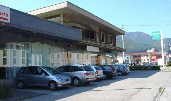 Magazzino in vendita a Villa Carcina, 20 locali, prezzo € 780.000 | CambioCasa.it